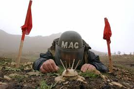military-officer-diffusing-landmine