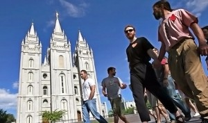 Mormon church invites all to come worship
